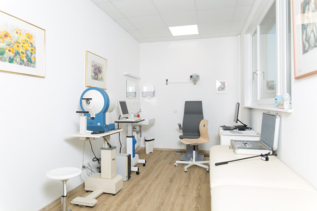 Augenarzt-Hallein-Emesz-7309